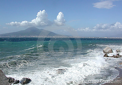 O golfo de Nápoles, Italy