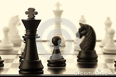 O rei preto da xadrez. Velho tonificado