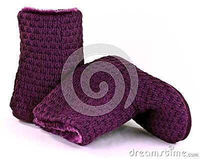 O roxo kniteed botas do deslizador
