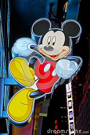 O sinal de Mickey Mouse esquadra às vezes a loja de Disney Imagem de Stock Editorial