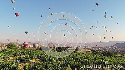 o Tempo-lapso de balões de ar quente aventura-se em Cappadocia video estoque