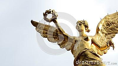 O tiro médio de Timelapse ao monumento chamou Angel de la Independencia filme