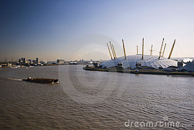 O2 arena and river thames