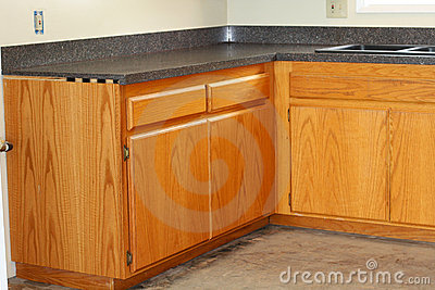 Oak kitchen drawers and new countertop