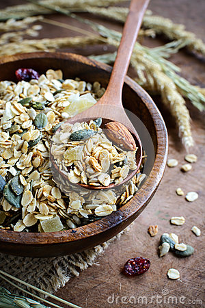 Free Oat And Whole Wheat Grains Flake In Wooden Bowl Royalty Free Stock Photos - 57576548