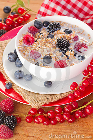 The oat flakes with milk and berries