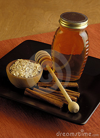 Oatmeal, Honey And Cinnamon Royalty Free Stock Photos