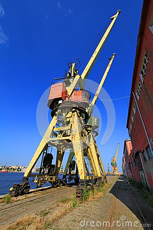 Obsolete cranes in the dockyard