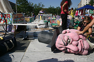 Occupy DC activists prepare giant puppet Editorial Stock Image