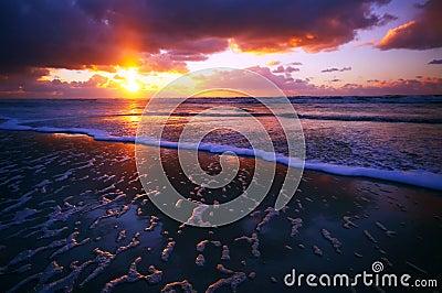 Oceaan en zonsondergang