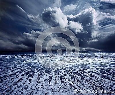 Oceaan onweer