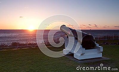 Oceaan zonsopgang en kanonnen bij wollongong