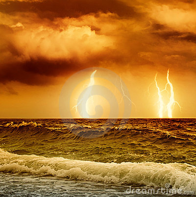 Free Ocean Storm Royalty Free Stock Photography - 8109897