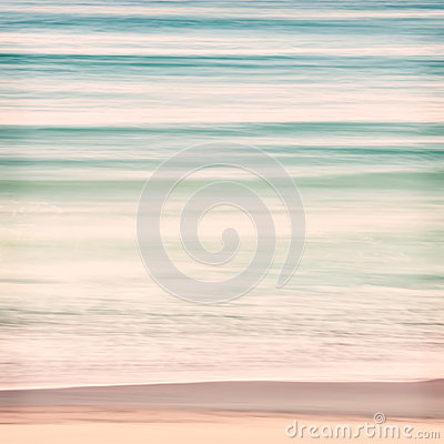 Free Ocean Swells Stock Photos - 44747713