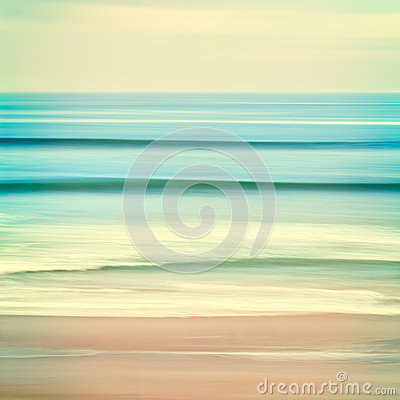Free Ocean Swells Royalty Free Stock Photos - 45143648
