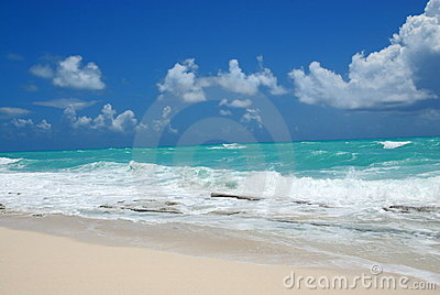 Ocean waves and beach scenery