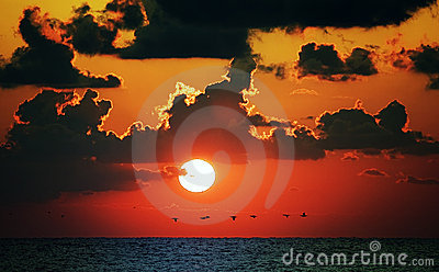 Oceanu czerwieni zmierzch