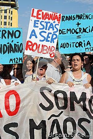 Ocupe Lisboa - protestos globais da massa 15 outubro Fotografia Editorial