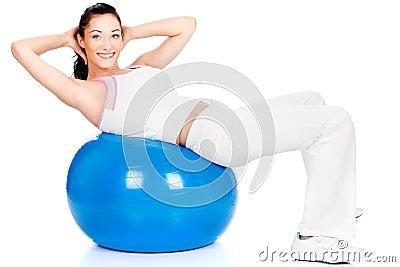 Oefening op de grote blauwe bal