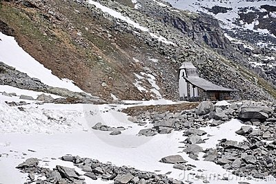 Oetztal Valley, alpine road and chapel, Austria