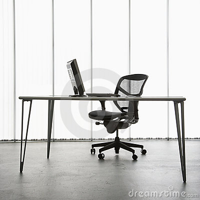 Free Office Desk. Royalty Free Stock Images - 2850479