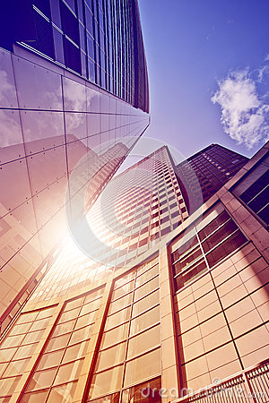 Free Office Tower In The Sun Royalty Free Stock Images - 44444989