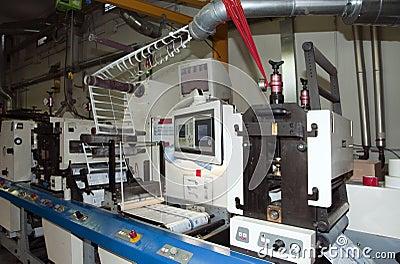 Offset/flexo press printing for labels