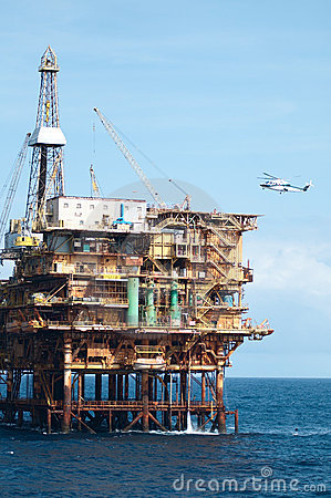 Free Offshore  Oil Rig With Helicopter Stock Photo - 15479720