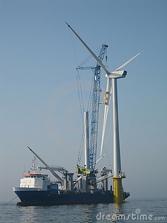 Free Offshore Wind Turbine Assembly Royalty Free Stock Photography - 4559267