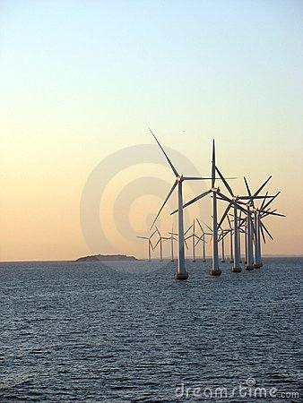 Free Offshore Windfarm 3 Royalty Free Stock Images - 1106739