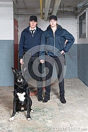 Oficiales de policía del pelotón K9