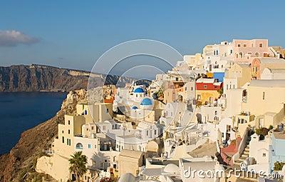Oia dorp bij Santorini eiland, Griekenland