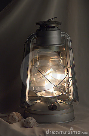 Free Oil Lamp Royalty Free Stock Images - 13317479