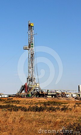 Free Oil & Natural Gas Well Stock Photo - 24436490