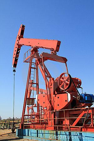 Free Oil Pump Jack Royalty Free Stock Photo - 16478605