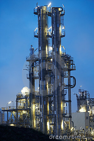 Free Oil Refinery Royalty Free Stock Photos - 3780548