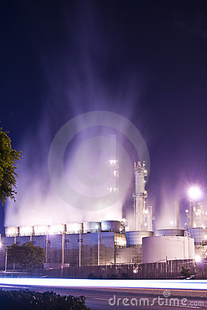 Oil refinery and steam