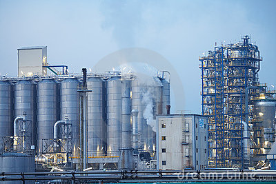 Oil refinery with tubes