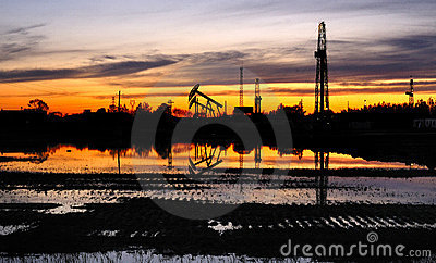 Oil wells and drilling tower