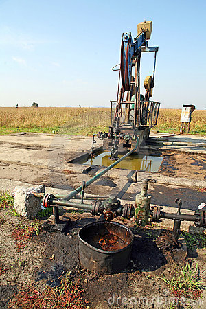 Oil wells with polluted ground