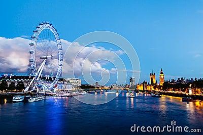 Ojo de Londres, puente de Westminster y Ben grande Foto de archivo editorial