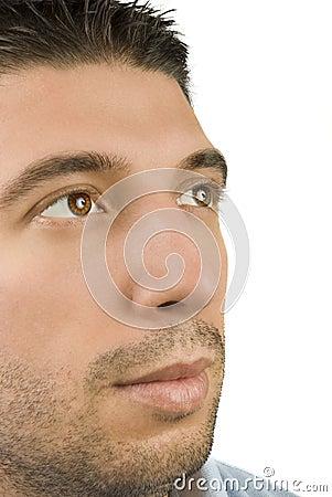 Ojos masculinos jovenes