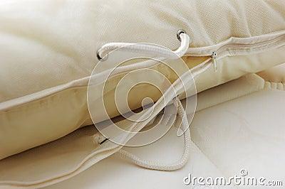 Okładkowa poduszka