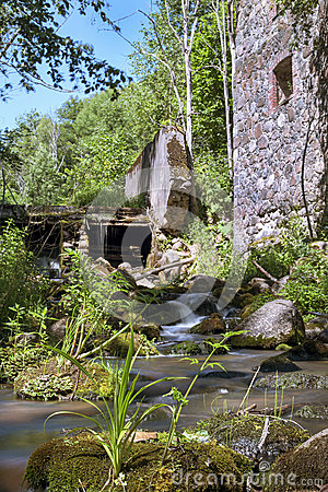 Free Old, Abandoned Water Mill With Water Streams And Little Waterfalls Stock Image - 43057441