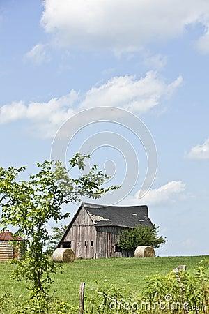 Free Old Barn Royalty Free Stock Image - 10821476
