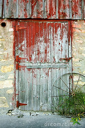 Free Old Barn Door Stock Photography - 32769022