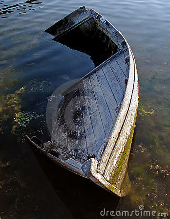 Free Old Boat 2 Royalty Free Stock Images - 695839