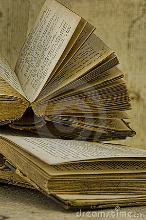 Free Old Books Stock Image - 20690921