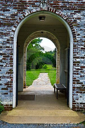 Free Old Brick Archway Royalty Free Stock Image - 13663076