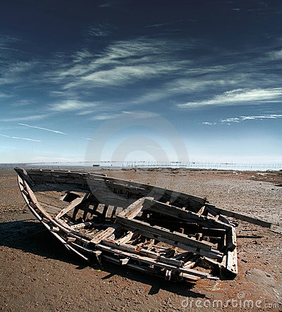 Free Old Broken Boat Royalty Free Stock Photography - 1585017